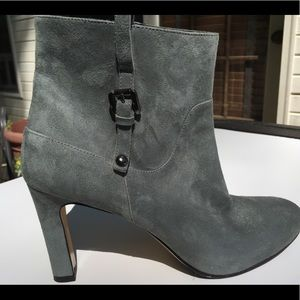 FAUX SUEDE GRAY BOOTIES